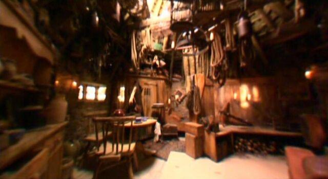 File:Hagrid's hut interior 02.JPG