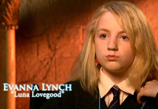 File:Evanna Lynch (Luna Lovegood) HP5 screenshot.JPG