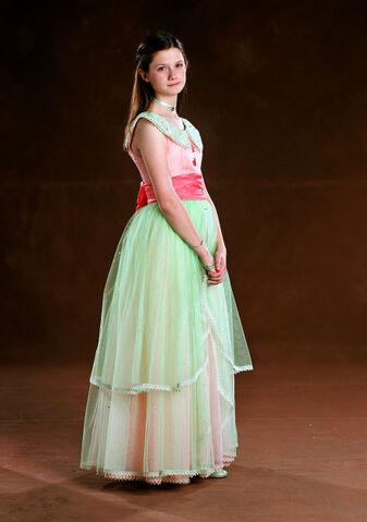 File:Bonnie Wright as Ginny Weasley (GoF-promo-01).jpg