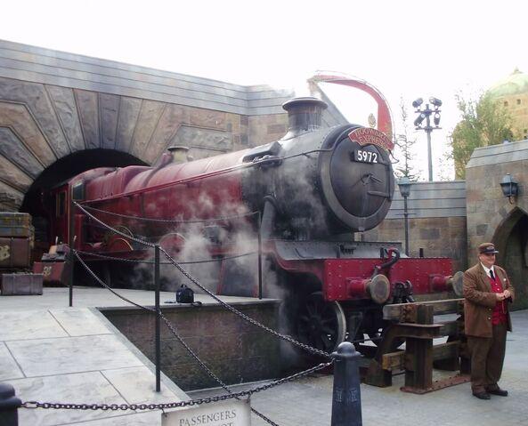 File:Hogwarts-express.jpg