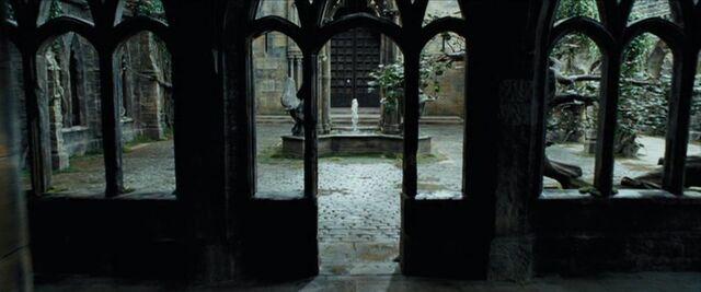 File:Clocktowercourtyard.jpg