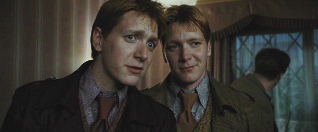 File:Fred and George before the battle of the seven Potters.JPG