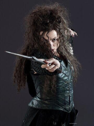 File:DH1 Bellatrix Lestrange ready for battle 01.jpg