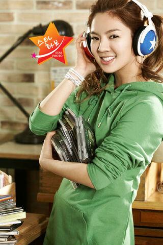 File:Kim-Hyo-Yeon-2.jpg