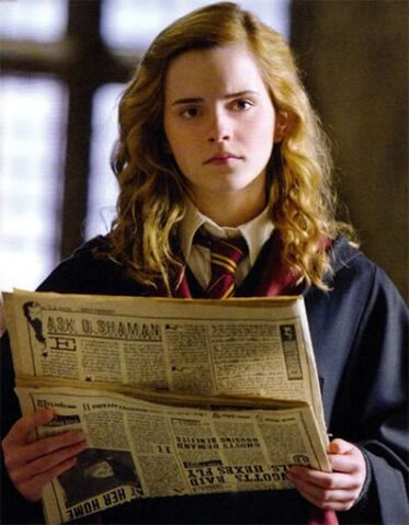 File:Hermione Granger reading The Daily Prophet.jpg