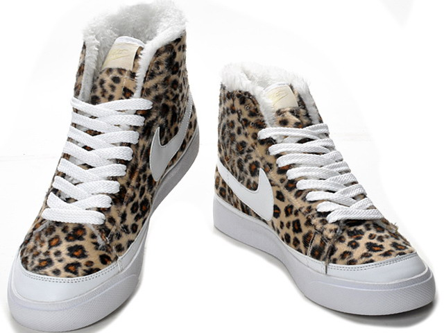 File:Winter Sneakers.jpg