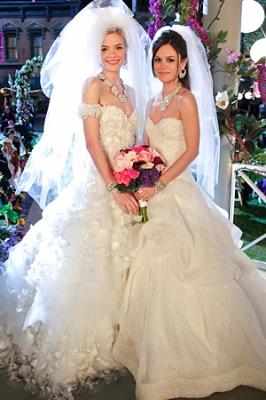 File:Normal 043012-Hart-of-Dixie-wedding-dress-300.jpg