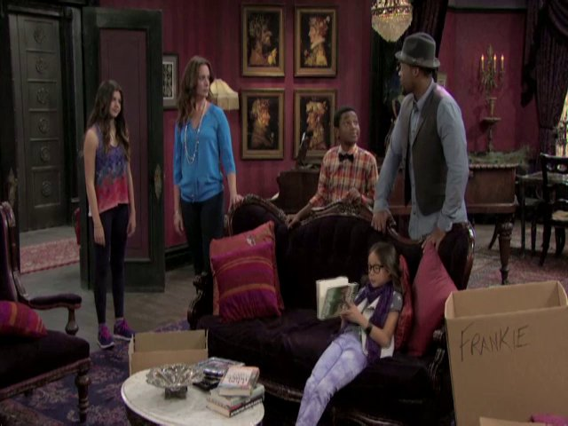 File:Haunted hathaways 102.jpg