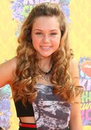 Brec-bassinger-27th-annual-kids-choice-awards-01