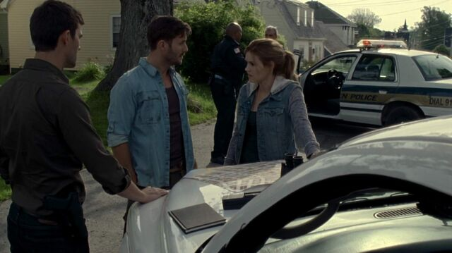 File:Crush - jack talks to audrey and nathan.jpg