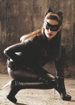 Catwoman-the-dark-knight-rises-anne-hathaway