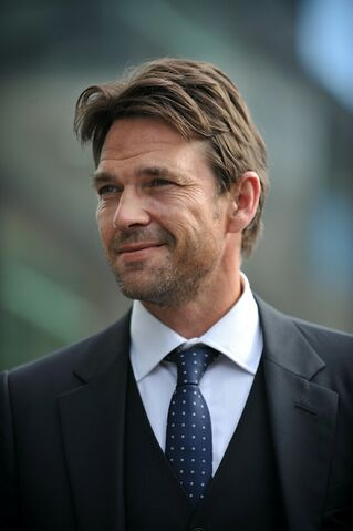 File:Dougray Scott.jpg