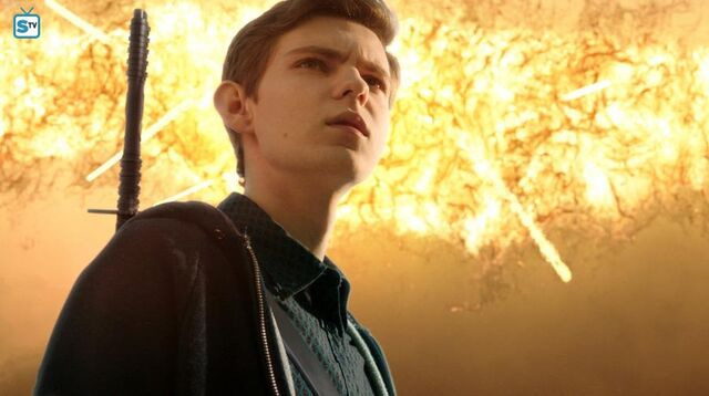 File:1x13 Tommy next to explosion.jpg