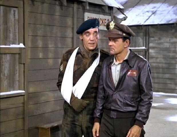 File:Hogan and Sergeant Walters.jpg