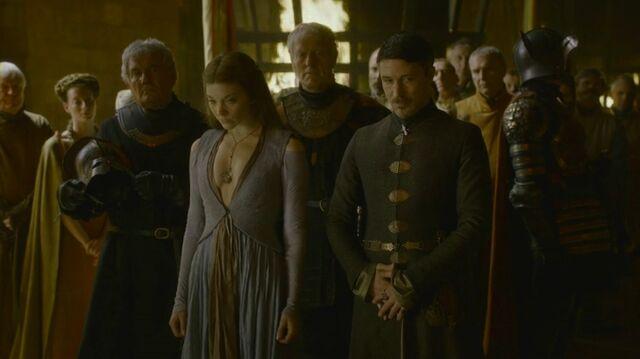 Archivo:Petyr alianza Tyrell HBO.jpg