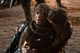 Podrick salvando a Tyrion HBO.jpg