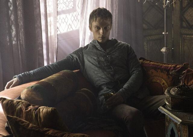 Archivo:Olyver HBO.jpg