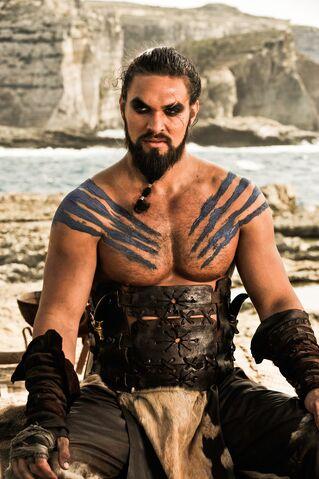 Archivo:Drogo HBO.jpg