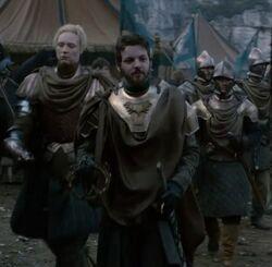 Rey Renly con la Guardia Arcoiris HBO.jpg