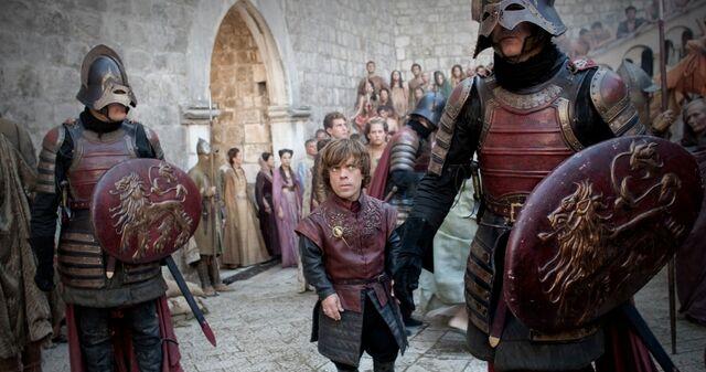 Archivo:2x06 Los dioses antiguos y nuevos HBO.jpg
