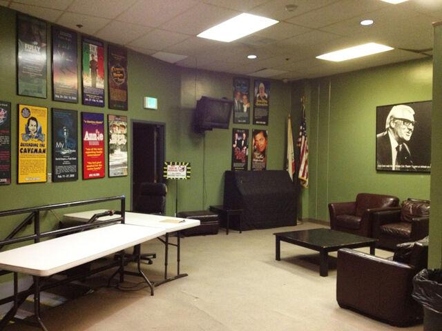 File:La-mirada-green-room.jpg