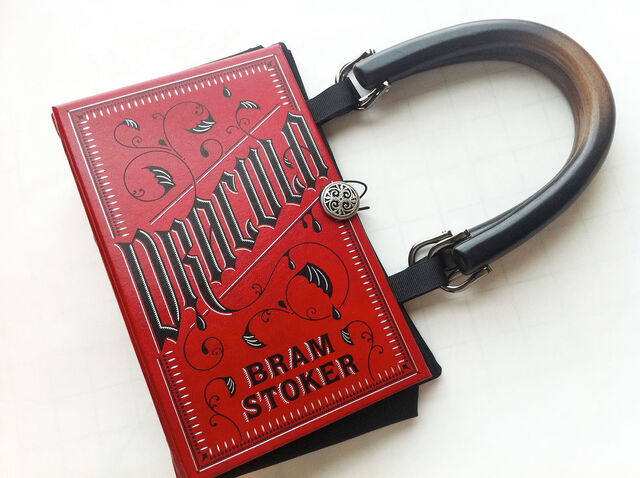 File:Dracula-vampire-purse-book-gothic.jpg