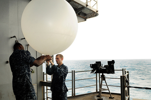 File:Sailors prepare to launch a weather balloon off the fantail of USS Ronald Reagan.jpg