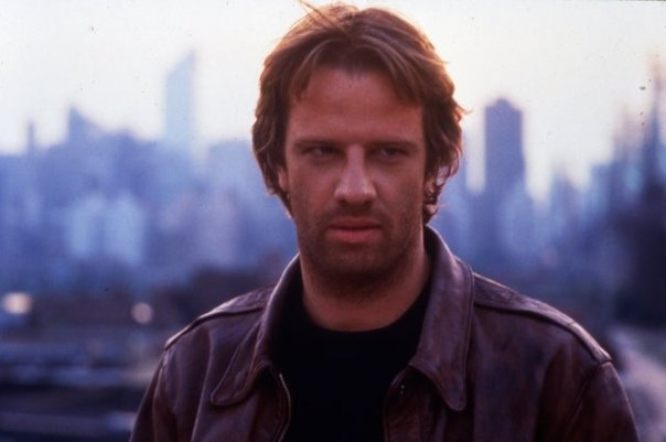 File:Christopher Lambert as Conner Macleod aka Russell Nash in Highlander..jpg