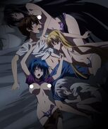 Issei waking up only to be surrounded by Sleeping Girls