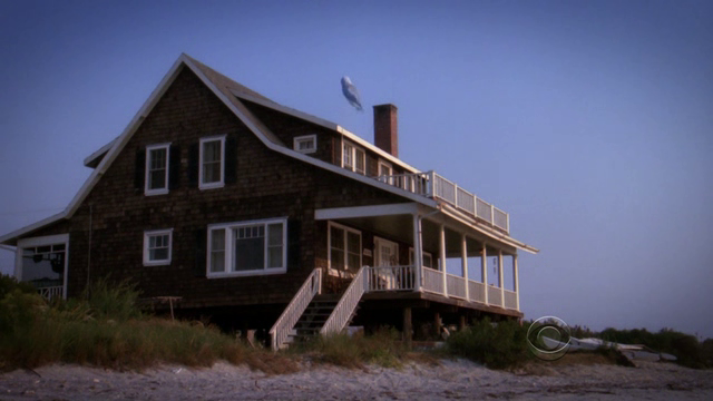 File:Louisbeachhouse.png