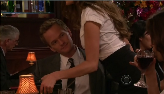 File:Barney only has eyes for robin.png