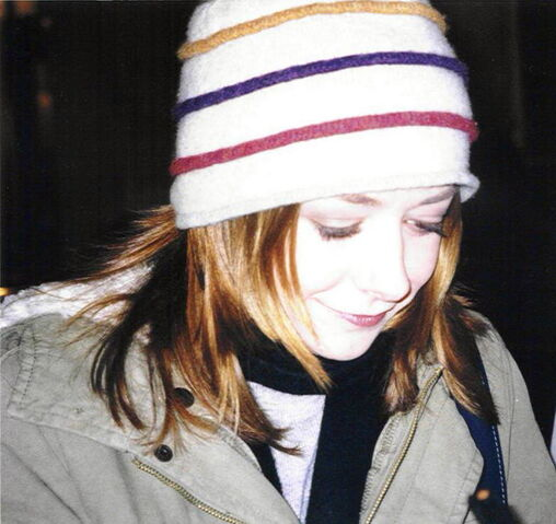 File:Alyson Hannigan-1717.jpg