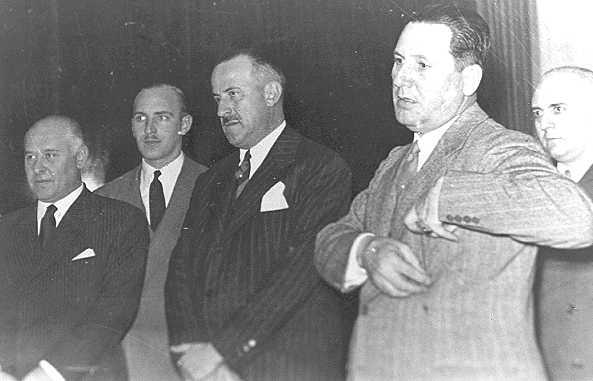 File:Rodolfo Freude and Perón 2.jpg