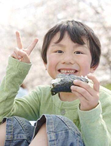 File:V-sign Hideki Yoshihara.jpg