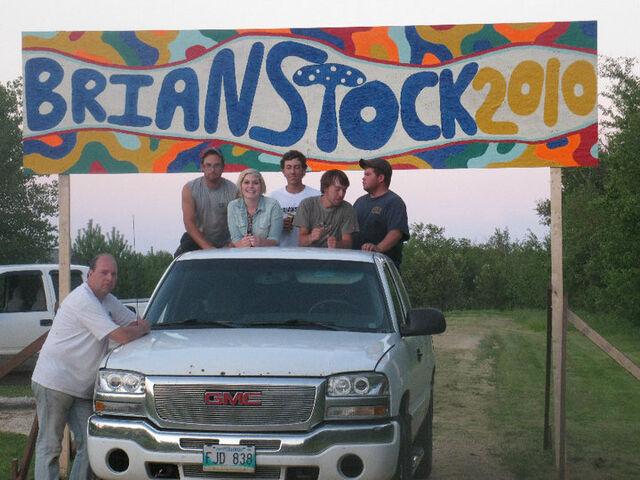 File:Hip 'Stock Manitoba Canada.jpg