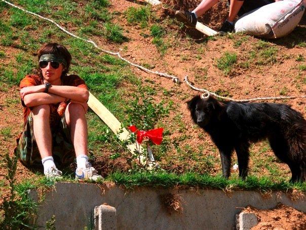 File:Hippie con perro.jpg