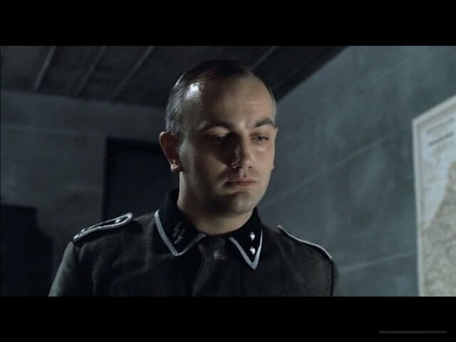 File:Rochus Misch receiving Goering's telegram.jpg