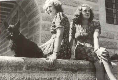 File:HISTORY - WWII - PHOTO - Eva Braun with sister Gretl at the Kehlsteinhaus-ww2shots-people.jpg