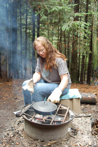 File:Campfire cooking
