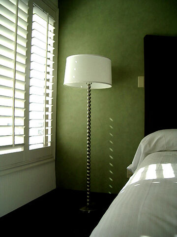 File:Lamp in a Green Room.jpg