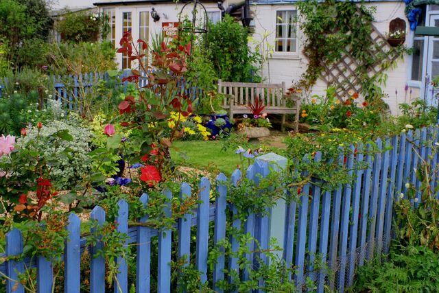 File:Seaside garden-6285.jpg