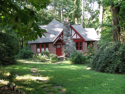 File:Tudor Revival house 0166.jpg