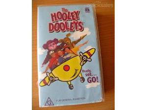 File:The Hooley Dooleys - Ready, Set... Go! VHS (front cover).jpg