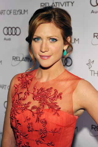 File:Brittany Snow.png
