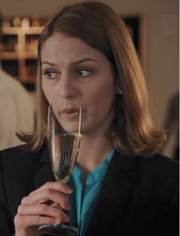 Fil:Elise drikker.png