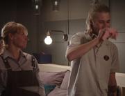 Eva og Kai vasker