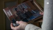 Eva finner gutten på et annet familiebilde