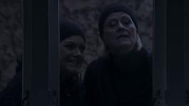 Monica og Sigrid gjør innbrudd