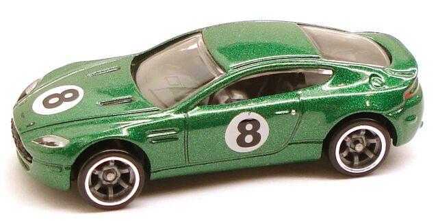 File:AstonMartinVantage speed green.JPG