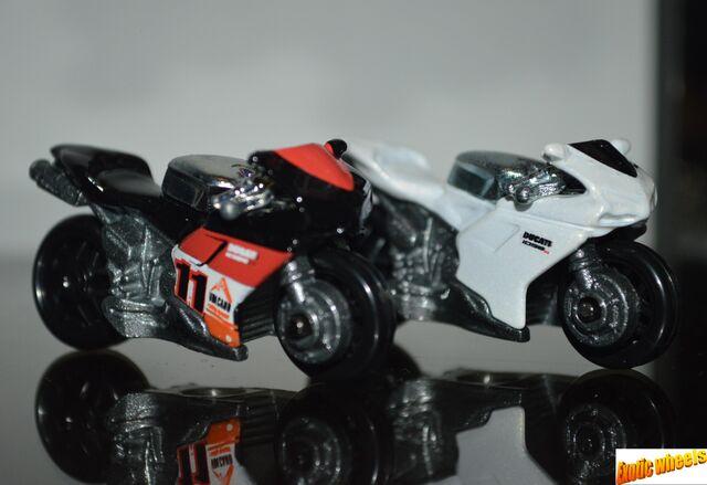 File:Ducati 1098r r.JPG